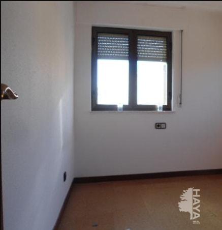 Casa en venta en Polígono Industrial los Villares, Villares de la Reina, Salamanca, Calle Aire, 204.650 €, 4 habitaciones, 1 baño, 277 m2