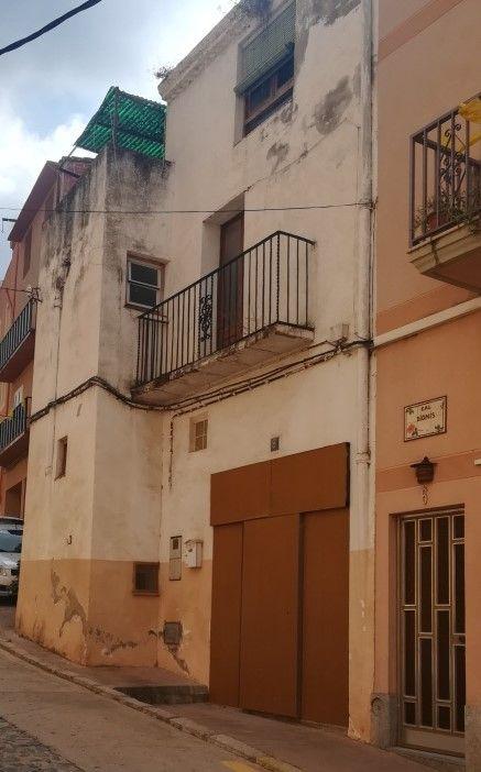 Casa en venta en Vila-rodona, Tarragona, Avenida Pau Casals, 60.800 €, 4 habitaciones, 2 baños, 157 m2