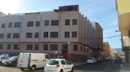 Piso en venta en Santa Lucía de Tirajana, Las Palmas, Calle Pio X, 109.100 €, 3 habitaciones, 1 baño, 90 m2