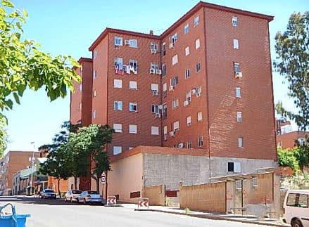 Piso en venta en La Abundancia, Cáceres, Cáceres, Calle Ródano, 43.464 €, 4 habitaciones, 2 baños, 109 m2