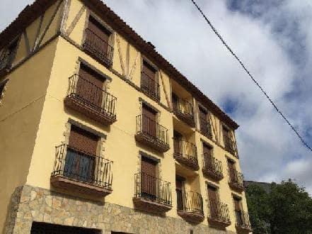 Piso en venta en Camarena de la Sierra, Teruel, Calle San Mateo, 51.700 €, 2 habitaciones, 1 baño, 76 m2