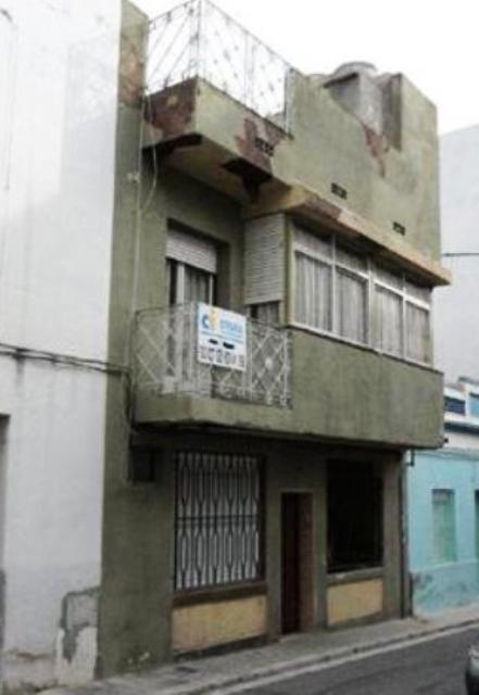 Piso en venta en Vilanova I la Geltrú, Barcelona, Calle Badajoz, 124.000 €, 3 habitaciones, 1 baño, 114 m2