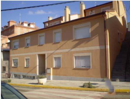 Piso en venta en Bernuy de Porreros, Bernuy de Porreros, Segovia, Avenida Enriqueta Peigneaux, 96.876 €, 3 habitaciones, 2 baños, 103 m2