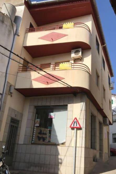 Piso en venta en Torrejoncillo, Torrejoncillo, Cáceres, Calle Hernan Cortes, 51.900 €, 4 habitaciones, 2 baños, 114 m2