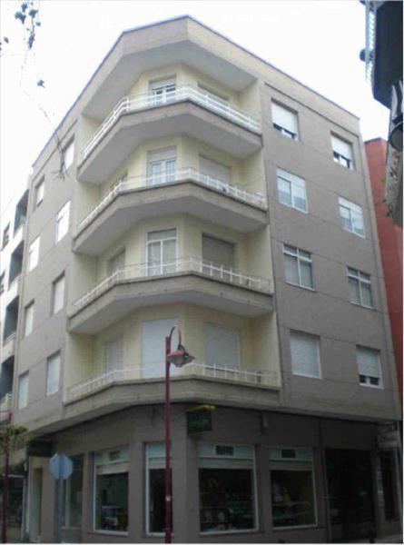 Piso en venta en Vilagarcía de Arousa, Pontevedra, Calle Gumersindo Nartallo, 53.000 €, 3 habitaciones, 1 baño, 115 m2