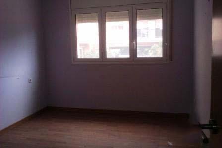 Piso en venta en Barri Gaudí, Reus, Tarragona, Calle Badalona, 34.960 €, 3 habitaciones, 1 baño, 83 m2