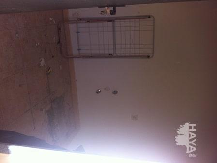 Piso en venta en Piso en Puerto del Rosario, Las Palmas, 79.700 €, 2 habitaciones, 1 baño, 99 m2, Garaje
