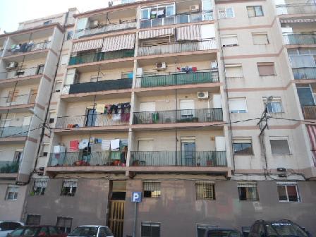 Piso en venta en Santa Coloma de Gramenet, Barcelona, Calle Santiago Rusiñol, 54.890 €, 3 habitaciones, 1 baño, 55 m2
