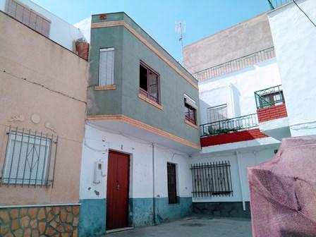 Casa en venta en Adra, Almería, Calle Alcazar, 48.000 €, 5 habitaciones, 1 baño, 136 m2