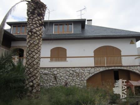 Piso en venta en Llorenç del Penedès, Llorenç del Penedès, Tarragona, Avenida Estrella La, 371.000 €, 6 habitaciones, 2 baños, 469 m2