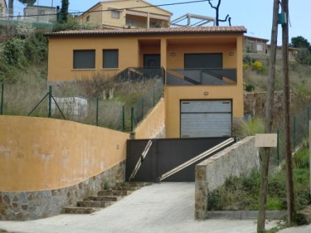 Casa en venta en Can Figueres Nou, Maçanet de la Selva, Girona, Calle Lloret, 149.000 €, 3 habitaciones, 1 baño, 138 m2