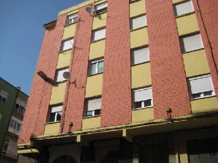 Piso en venta en La Inmobiliaria, Torrelavega, Cantabria, Calle Leonardo Torres Quevedo, 47.500 €, 3 habitaciones, 1 baño, 80 m2