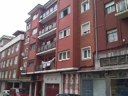 Piso en venta en La Llama, Torrelavega, Cantabria, Calle Berta Perogordo, 35.000 €, 3 habitaciones, 1 baño, 72 m2