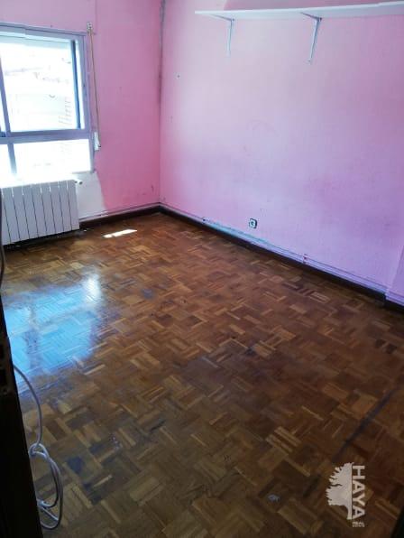 Piso en venta en Latina, Madrid, Madrid, Calle Blas Cabrera, 130.075 €, 3 habitaciones, 1 baño, 64 m2