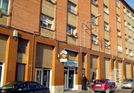 Piso en venta en Calaf, Barcelona, Calle Isidre Vilaró, 39.000 €, 3 habitaciones, 2 baños, 61 m2