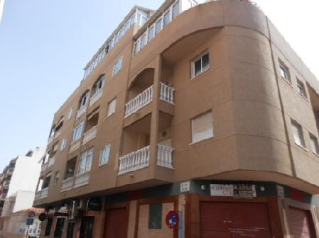 Piso en venta en Torrevieja, Alicante, Calle Ulpiano, 82.987 €, 3 habitaciones, 3 baños, 80 m2