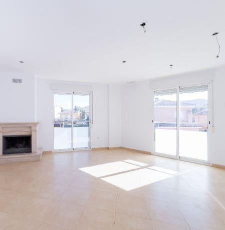 Casa en alquiler en L` Alcúdia de Crespins, Valencia, Calle Cerda, 650 €, 3 habitaciones, 3 baños, 236 m2