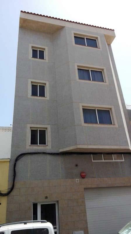 Piso en venta en Santa Lucía de Tirajana, Las Palmas, Calle Cano, 117.000 €, 2 habitaciones, 2 baños, 114 m2