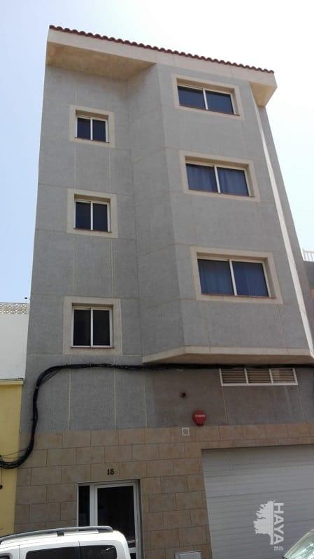 Piso en venta en Santa Lucía de Tirajana, Las Palmas, Calle Cano, 106.000 €, 2 habitaciones, 2 baños, 114 m2