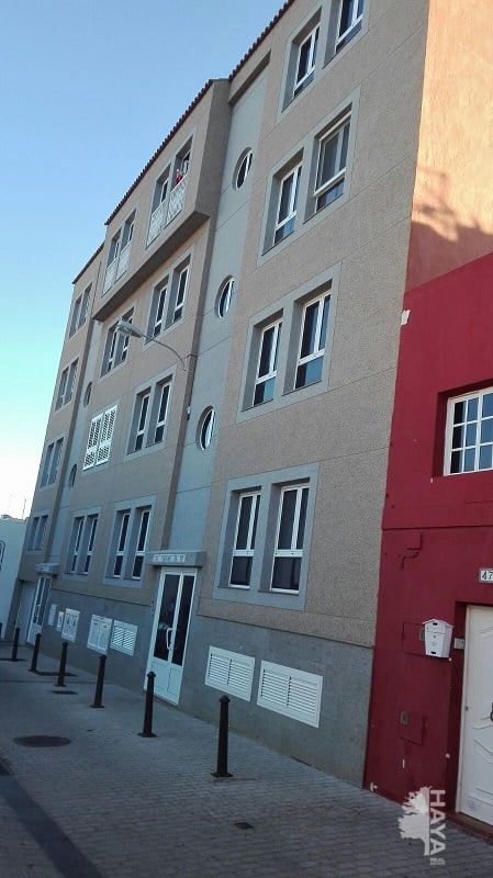Piso en venta en Santa Lucía de Tirajana, Las Palmas, Calle Orilla Alta, 90.000 €, 3 habitaciones, 1 baño, 153 m2
