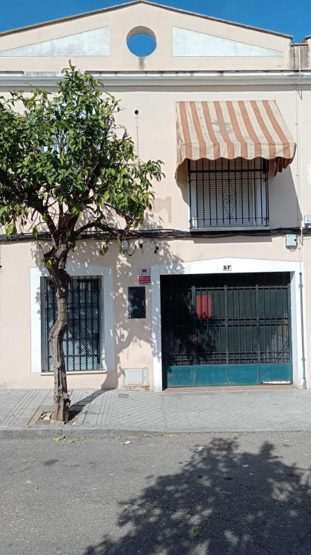 Piso en venta en Córdoba, Córdoba, Calle Hixen I, 170.000 €, 3 habitaciones, 2 baños, 203 m2