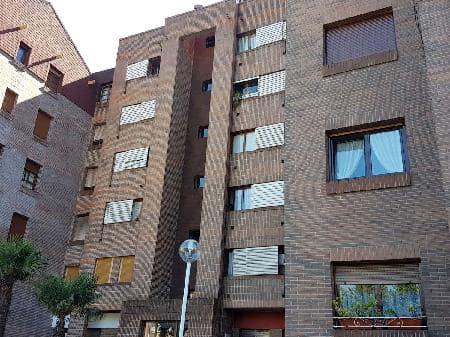Piso en venta en La Corredoria Y Ventanielles, Oviedo, Asturias, Calle Jardin del Principado, 58.709 €, 3 habitaciones, 1 baño, 91 m2