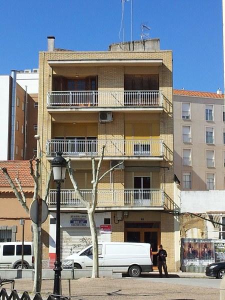 Piso en venta en Don Benito, Don Benito, Badajoz, Calle 1ª de Mayo, 69.000 €, 3 habitaciones, 2 baños, 157 m2