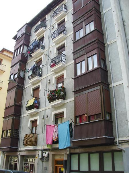 Piso en venta en Jardiñeta, Eibar, Guipúzcoa, Calle Jardiñeta Kalea, 107.000 €, 2 habitaciones, 1 baño, 53 m2
