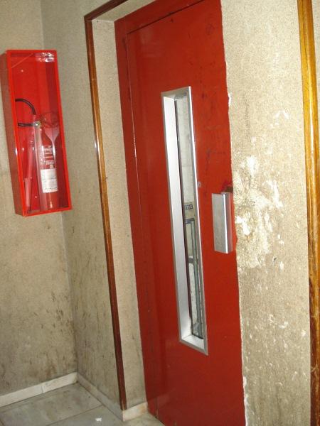 Piso en venta en Salt, Girona, Calle Angel Guimera, 79.000 €, 3 habitaciones, 1 baño, 76 m2