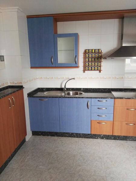 Piso en venta en Piso en Ponteareas, Pontevedra, 109.900 €, 3 habitaciones, 2 baños, 126 m2, Garaje