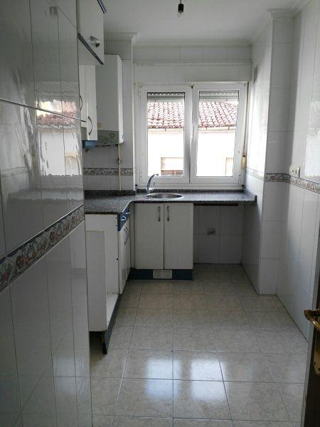 Piso en venta en Corvera de Asturias, Asturias, Calle Ramón María del Valle Inclán, 82.000 €, 2 habitaciones, 2 baños, 89 m2
