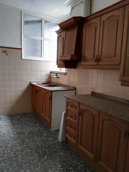 Piso en venta en Piso en Orihuela, Alicante, 80.500 €, 3 habitaciones, 1 baño, 100 m2