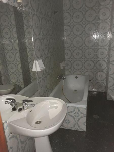 Piso en venta en Tomelloso, Ciudad Real, Calle Garcia Pavon, 52.000 €, 4 habitaciones, 2 baños, 138 m2