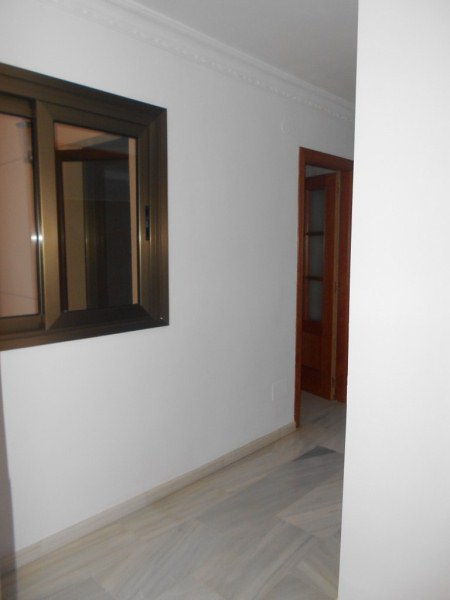 Piso en venta en Vélez-málaga, Málaga, Calle Cervantes, 115.000 €, 3 habitaciones, 2 baños, 141 m2