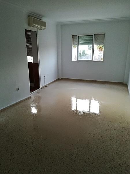 Piso en venta en Dos Hermanas, Sevilla, Avenida Juan Pablo Ii, 84.000 €, 3 habitaciones, 1 baño, 88 m2