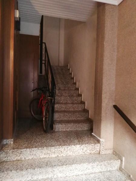 Piso en venta en Burjassot, Valencia, Avenida de Ausiàs March, 74.000 €, 4 habitaciones, 1 baño, 128 m2