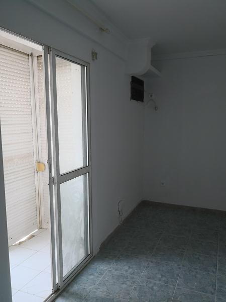 Piso en venta en Dos Hermanas, Sevilla, Calle Virgen de los Reyes, 41.000 €, 2 habitaciones, 1 baño, 45 m2