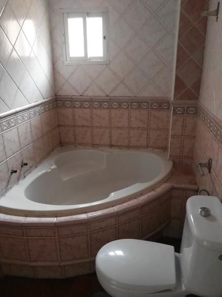 Piso en venta en Algeciras, Cádiz, Calle Picos de Europa, 38.000 €, 3 habitaciones, 1 baño, 55 m2
