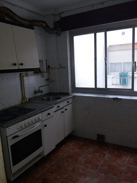 Piso en venta en Torrelavega, Cantabria, Calle Bonifacio del Castillo, 56.000 €, 3 habitaciones, 1 baño, 73 m2