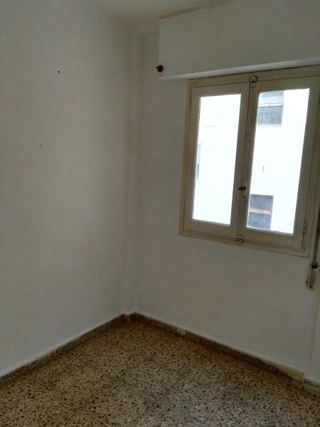 Piso en venta en Valencia, Valencia, Calle de Jeronima Gales, 78.000 €, 3 habitaciones, 1 baño, 83 m2