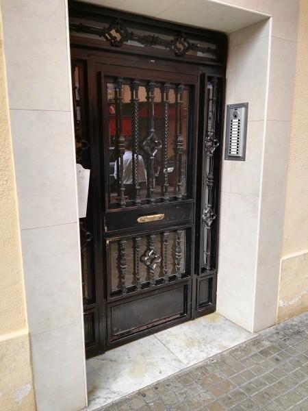 Piso en venta en Valencia, Valencia, Calle Mora de Rubiols, 81.000 €, 2 habitaciones, 1 baño, 67 m2
