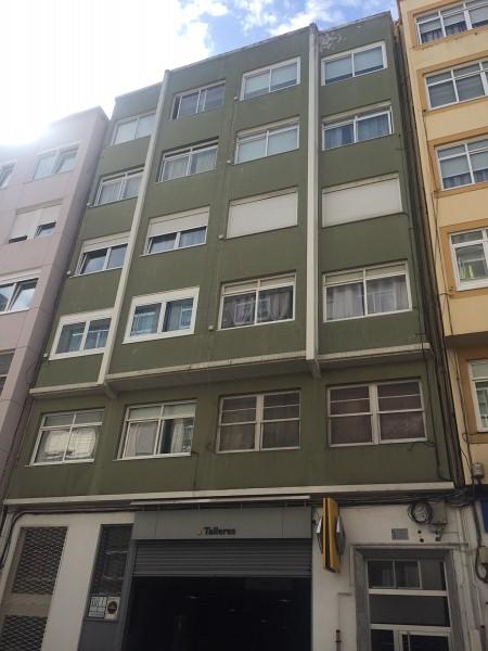 Piso en venta en A Coruña, A Coruña, Calle Ramon Cabanillas, 59.000 €, 2 habitaciones, 1 baño, 73 m2