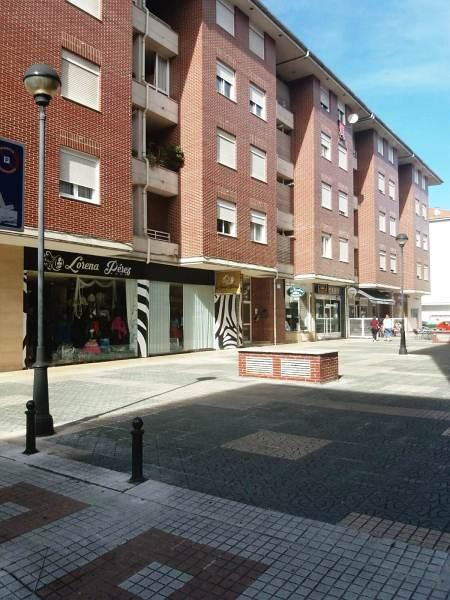 Piso en venta en Urbanización la Anjanas, los Corrales de Buelna, Cantabria, Avenida España, 98.000 €, 2 habitaciones, 1 baño, 88 m2