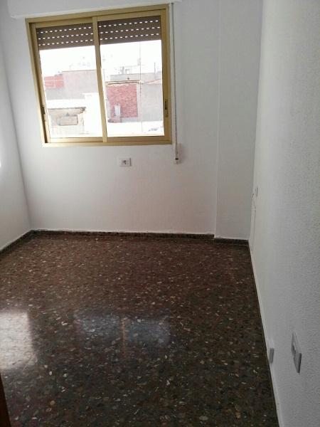 Piso en venta en Piso en la Vall D`uixó, Castellón, 68.000 €, 3 habitaciones, 2 baños, 117 m2