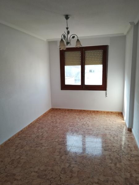 Piso en venta en Albatera, Alicante, Calle Maestro Azorín, 53.000 €, 3 habitaciones, 1 baño, 103 m2