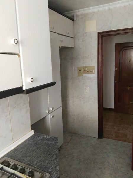 Piso en venta en Alicante/alacant, Alicante, Calle Pintor Antonio Amoros, 38.000 €, 3 habitaciones, 1 baño, 75 m2