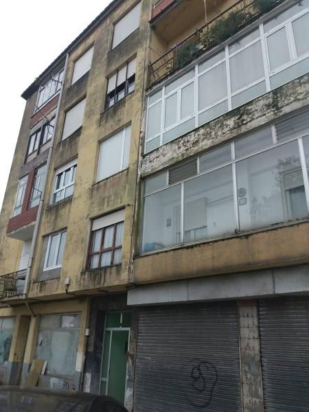 Piso en venta en Los Corrales de Buelna, Cantabria, Calle San Benito, 39.000 €, 3 habitaciones, 1 baño, 88 m2