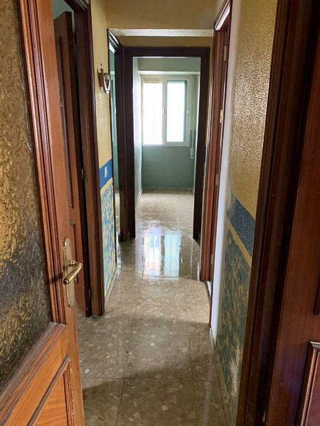 Casa en venta en Sevilla, Sevilla, Calle Puerto de Viella, 93.000 €, 5 habitaciones, 1 baño, 85,25 m2