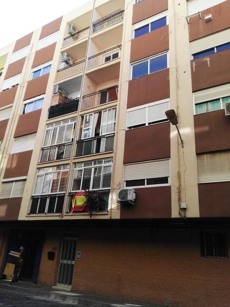 Piso en venta en Carolinas Bajas, Alicante/alacant, Alicante, Pasaje Alonso Cano, 62.000 €, 3 habitaciones, 1 baño, 82 m2