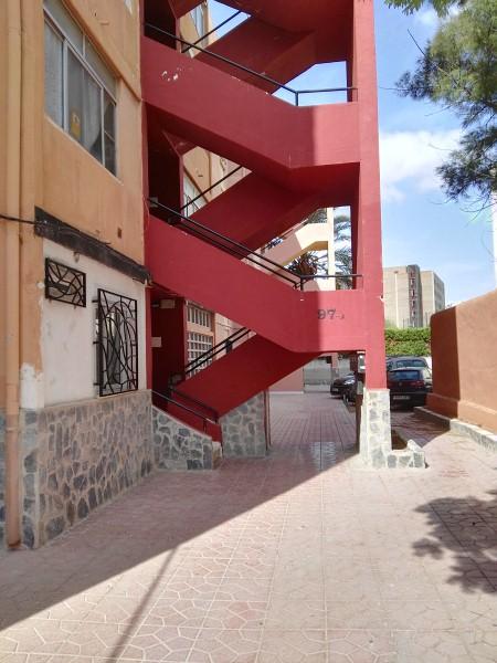 Piso en venta en Carolinas Bajas, Alicante/alacant, Alicante, Calle Maestro Alonso, 52.000 €, 3 habitaciones, 1 baño, 80 m2